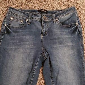 Like new! Barely worn Earl Jean's 6p